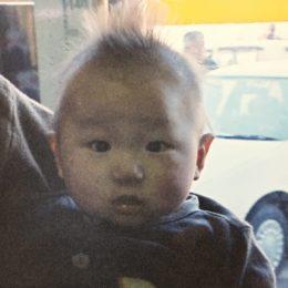 赤ちゃんの髪の毛が逆立っている(笑)
